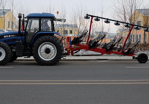 Four variable width plow (bar)