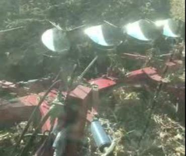 八五二农场五铧犁翻地视频