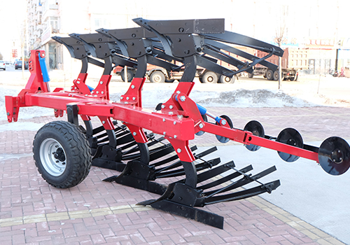Hydraulic turnover plough